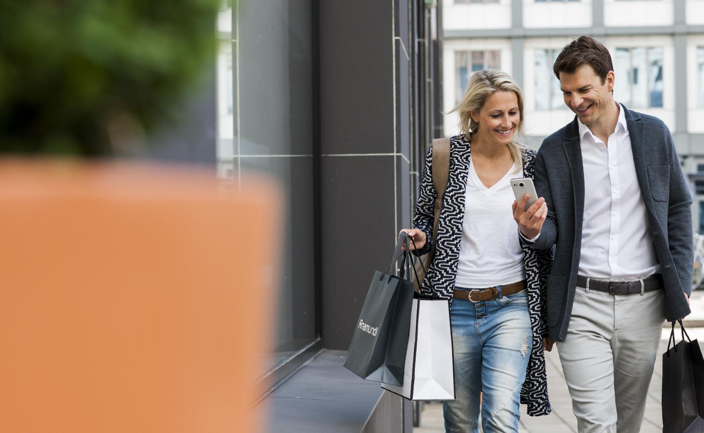 """""""Banken und Versicherungen sind nicht dort, wo die Aufmerksamkeit des Kunden ist"""" – Interview mit Digital Scout Dr. Robin Keira 4"""