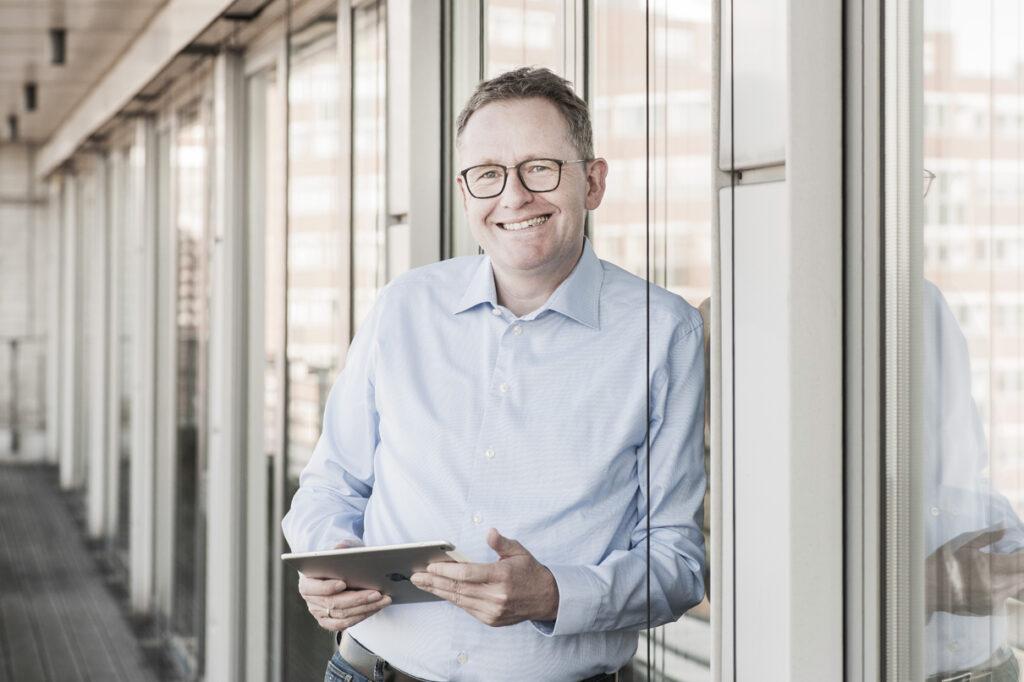 Dr. Christian Kastner, Geschäftsführer der Star Finanz freut sich über die Mitgliedschaft im Bitkom
