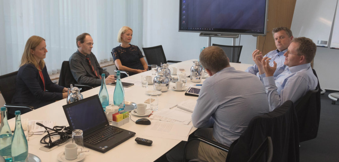 Experten-Roundtable Kundenbindung: Banken und Sparkassen als digitale Lebensbegleiter 2
