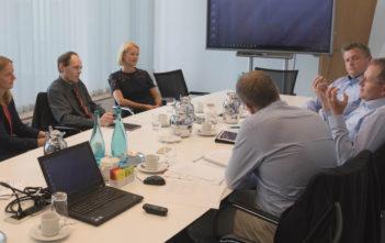 Experten-Roundtable Kundenbindung: Banken und Sparkassen als digitale Lebensbegleiter 1