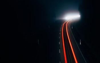 Elektromobilität: Aufladen per Schiene 8